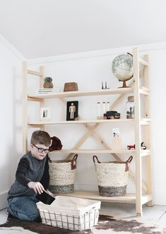 DIY Wood Bookshelf @themerrythought