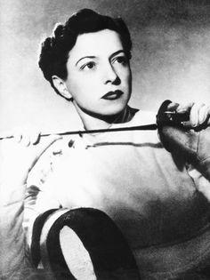 Ilona Elek - Wikipedia