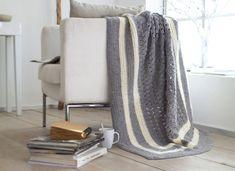 Diese Häkel-Decke besticht durch ihr schlichtes, edles Design. Ob als Überwurf fürs Gästebett oder als Kuscheldecke, diese Häkeldecke ist ein Schmuckstück.
