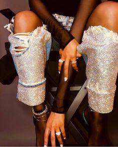 moda de luxo vintage - explorando o Rise of the Secondhand . Fashion Killa, Look Fashion, High Fashion, Womens Fashion, Fashion Design, Paris Chic, Mode Disco, Mode Outfits, Fashion Outfits