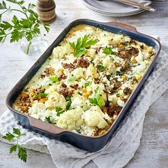 Our popular recipe for cauliflower mince casserole and more than other free recipes on LECKER. Our popular recipe for cauliflower mince casserole and more than other free recipes on LECKER. Quick Meals To Make, Healthy Meals To Cook, Healthy Drinks, Healthy Cooking, Healthy Recipes, Free Recipes, Quick Recipes, Korma, Dieta Atkins