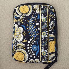 "Vera Bradley tablet case in Ellie Blue Vera Bradley tablet case in Ellie Blue. Like new, no tears, rips, or stains. About 8-8.5"" tall. Vera Bradley Bags Laptop Bags"