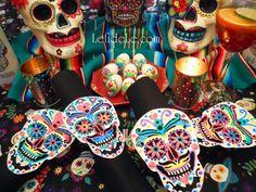 DIY Calaveras de Azucar (Sugar Skulls) Napkin Rings, Wine Glass Charms, & Vase Craft Tutorial for Dia de los Muertos (Day of the Dead) Themed Halloween Dinner Party Décor Diy Art, Vase Crafts, Day Of The Dead Skull, Halloween Dinner, Wine Glass Charms, Sugar Skulls, Napkin Rings, Arts And Crafts, Free