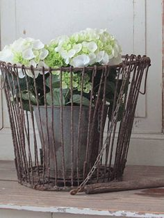 french country style at home book Wire Basket Decor, Vintage Wire Baskets, Basket Decoration, French Farmhouse Decor, Farmhouse Kitchen Decor, French Country Decorating, French Cottage Garden, Painted Shed, Provence Garden