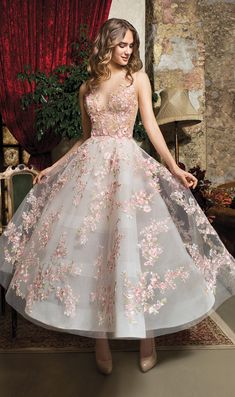 A-line dress with colorful embroidered flowers ,deep v evening dress,short homecoming dress ,colorful ball gowns - Outfits - Vestidos Elegant Dresses, Pretty Dresses, Romantic Dresses, Long Dress Formal Elegant, Awesome Dresses, Wedding Dress Buttons, Short Dresses, Formal Dresses, Wedding Dresses