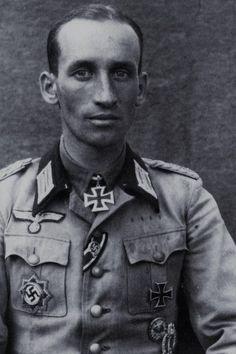 Oberstleutnant Hans Engelien (1913-1945), Kommandeur Panzergrenadier Regiment 25, Ritterkreuz 12.08.1944, Eichenlaub (788) 16.03.1945