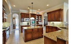 Beautiful, big kitchen
