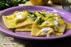 I Ravioli ricotta e limone sono un primo piatto originale e diverso dal solito. La leggerezza della ricotta e la freschezza del limone si incontrano in un connubio perfetto.