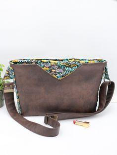 Sac Mambo cousu par Filaura'a-Couture - Tissu(s) utilisé(s) : Simili cuir ébène, Coton Nagoya - Patron Sacôtin : Mambo