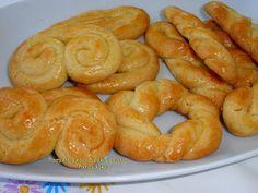 Greek Desserts, Greek Recipes, Koulourakia Recipe, Greek Cooking, Easter Recipes, I Love Food, Healthy Snacks, Biscuits, Sweet Tooth