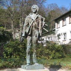Vincent Van Gogh statue - Auvers sur Oise