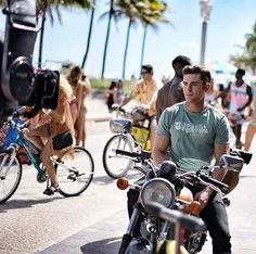 Pin for Later: You'll Want to Ride Off Into the Sunset With Zac Efron After Seeing These Photos