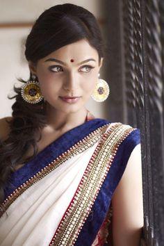 Andrea Jeremiah - Classy saree.