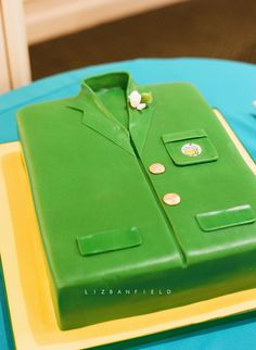 A Masters jacket grooms cake, for the groom who loves his golf Public Golf Courses, Best Golf Courses, Golf Birthday Cakes, 40th Birthday, St Andrews Golf, Golf Tips Driving, Augusta Golf, Golf Course Reviews