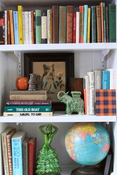 very nice shelf styling