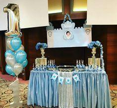 King palace birthday party  #king #babyshower #babyboy #blue #silver  Mavi ve gümüş renklerle kral temalı doğumgünü partisi  MİOLA DAVET VE ORGANİZASYON 0224 999 5 333
