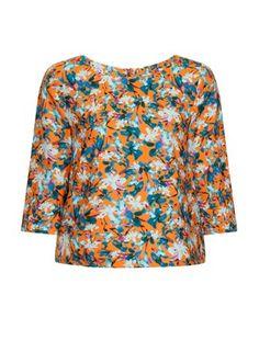 Lovely top, te koop bij www.madamesheshe.be €65