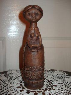 Kovács Margit éneklő lány kerámia figura Lany, Buddha, Sculpture, Statue, Sculptures, Sculpting, Carving