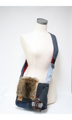 Sacoche à bandoulière Édition limitée avec jeans et fourrure