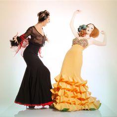#atelierflamenco #mercedesmestre #flamenco #flamenca #barcelona #fiesta Dress: Mercedes Mestre. Make Up: Ivan Sirio. Model: Carla & Ariadna. Fotografía: Pep Valls. En Camaleo estudi.