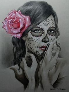 """Tradicionalmente, los tatuajes (tattoo) de calaveras mexicanas han simbolizado la muerte con una """"M"""" mayúscula, ¡pero no de una manera siniestra o negativa! Si hay un hecho innegable en este planeta, es que ningún ser humano escapa de la Parca, por rico o famoso que sea.! Chicano Tattoos, Body Art Tattoos, Tattoo Drawings, Girl Tattoos, Sketch Tattoo, Gangster Tattoos, Skull Girl Tattoo, Sugar Skull Tattoos, Spanish Tattoo"""