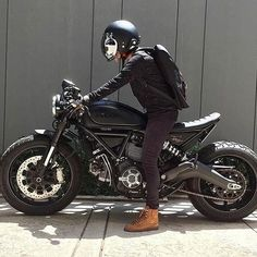 Cant get enough of this Ducati Scrambler by Ducati Cafe Racer, Scrambler Ducati, Cafe Racer Bikes, Cafe Racer Build, Cafe Racer Motorcycle, Motorcycle Style, Yamaha R1, Retro Bikes, Scooter Motorcycle