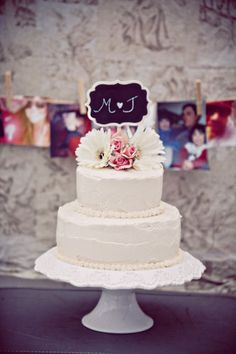 Cake by Michelle Carte Photo by Blink Photographic