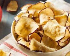 Chips de pommes mini calories au four : http://www.fourchette-et-bikini.fr/recettes/recettes-minceur/chips-de-pommes-mini-calories-au-four.html