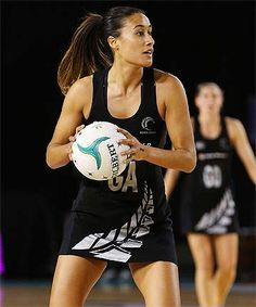 Netball games require the players to have constant training in order to acquire essential shooting techniques. Netball Games, How To Play Netball, Basketball Games For Kids, Basketball Practice, Basketball Workouts, Netball Pictures, Netball Quotes, Sport Photography, Vintage Photography