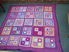 Nice arrangement of squares. Will have to do one like this. Summer Squares.