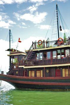 Halong Bay overnight boat trip - Vietnam