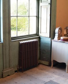 The Victorian 4 column cast iron radiator from Carron offers a traditional design and a contemporary feel for any period property Electric Radiators, Cast Iron Radiators, Victorian Radiators, Column Radiators, Modern Properties, Ral Colours, Paint Companies, Front Rooms, Architectural Antiques