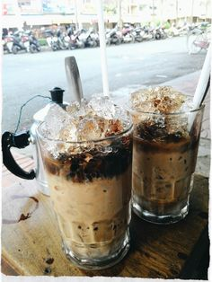 Vietnamese coffee with condensed milk - a popular drink in all over the country. Simply made with coffee, condensed milk and added some ices, a cup of this addictive drink can illustrate a part of Vietnamese daily life. Nothing feels tranquillier than watching the black coffee drip through the phin filter into the sludge of condensed milk pooled at the bottom of your glass. #Vietnam #Coffee #20TraitsofVietnam