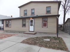 One Bedroom Apartment with Heat Paid - Billings MT Rentals - 2695 (D) - One bedroom on main floor with heat and water paid. Remodeled bathroom with new tile floor. Coin laundry on site. | Pets: Not Allowed | Rent: $425.00 | Call Rainbow Property Management, Inc. at 406-248-9028