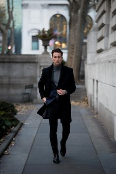 Denim tuxedo blazer + gray turtleneck + black pants