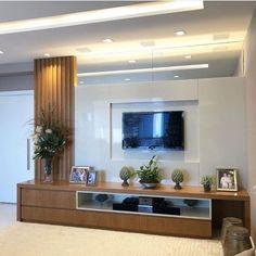 Me gusta, 27 comentarios - ⠀⠀⠀⠀ Living Room Tv Unit Designs, Ceiling Design Living Room, Home Room Design, Tv Unit Interior Design, Room Interior, Home Living Room, Living Room Decor, Tv Wand, Room Partition Designs
