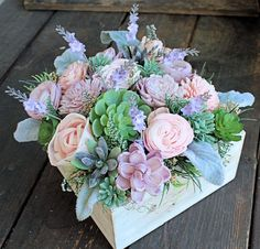 New Vintage Wedding Reception Centerpieces Floral Design Ideas Wedding Reception Flowers, Wedding Reception Centerpieces, Wedding Boxes, Wedding Ceremony, Reception Ideas, Wedding Bouquets, Wedding Dresses, Succulent Wedding Centerpieces, Wedding Flower Arrangements