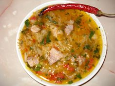 Romanian Food, Romanian Recipes, Cooking Recipes, Easy Recipes, Cheeseburger Chowder, Curry, Good Food, Easy Meals, Food And Drink