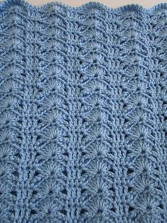 The Arching Shell Crochet Blanket produces a very sophisticated and stylish blanket. It is an easy pattern that produces impressive results. Make patterns blanket easy red hearts Crochet Baby Blanket Pattern, Crochet Throw Blanket, Crochet Patterns Crochet Afghans, Easy Crochet Blanket, Crochet Stitches, Crochet Baby, Doilies Crochet, Quick Crochet, Blanket Yarn, Beginner Crochet, Baby Afghans