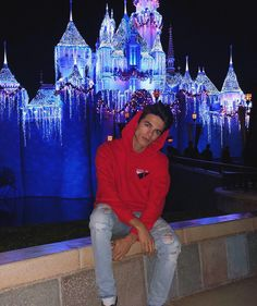 "Brent Rivera on Instagram: ""need a girl to take cute Disneyland pics with 😊😂"" Cute Teenage Boys, Cute Boys, Youtube Boyfriend, Rivera Family, Famous Youtubers, Brent Rivera, Men Photoshoot, Young Fashion, Disneyland"
