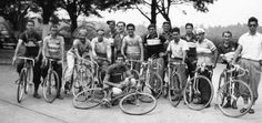 Galeria de fotos :: SP Antigamente ... abril de 1951 - Ciclistas no parque do Ibirapuera.