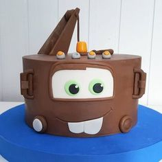 Disney Cars Cake, Disney Cars Party, Disney Cars Birthday, Cars Birthday Parties, 2nd Birthday, Tow Mater Cake, Car Cakes For Boys, Strawberry Buttercream Frosting, Queen Cakes