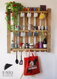 Recycled Pallets Wooden Shelves and Planters Wooden Pallet Shelves, Wooden Pallets, Pallet Wood, Pallet Ideas, Build A Dog House, Deco Originale, Recycled Pallets, Diy Pallet Furniture, Diy Kitchen