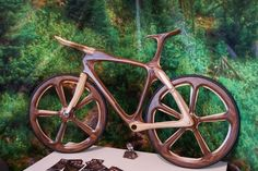 Lennard Zinn gets up close and personal with some fine Italian craftsmanship at ExpoBici