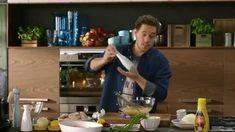 Széll Tamás - Pácolt, fűszeres, sült csirkeszárnyak coleslaw salátával Lidl, Food Videos, Sprouts, Vegetables, Youtube, Productivity, Gastronomia, Restaurants, Vegetable Recipes