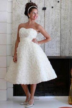 Wedding dress, tea length... Fun texture