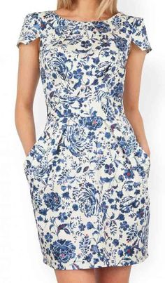 Closet china blue floral tulip pocket tieback dress blue white 00 closet china blue floral tulip pocket tieback dress bluewhite from peppermint Simple Dresses, Elegant Dresses, Casual Dresses, Casual Outfits, Linen Dresses, Blue Dresses, Summer Dresses, Dress Outfits, Fashion Dresses