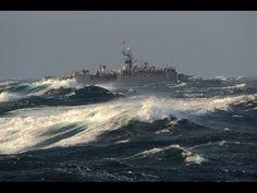 Türk Savaş Gemilerinin Dev Dalgalarla Mücadelesi