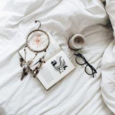 #photography #photooftheday #portrait #photogram #behindthescenes #photoshoot #fromabove #onmytable #tablesituation #onthetableproject #flatlaythenation #flatlayforever #flatlaystyle #flatlay #flatlayoftheday #fromwhereistand #bookstagram #booksaddict #bookshelf #dreamcatcher #bohodecor #interiorinspiration #interiordetails #interior4all #interior #interiorstyling #homeinterior #deco #instadeco #decohome
