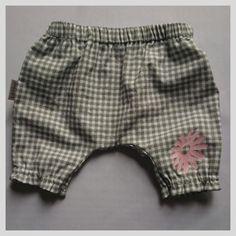 Grey Short Pink Flower | Lil Joy Grey Shorts, Casual Shorts, Pink Flowers, 6 Months, Joy, Girls, Women, Fashion, Gray Shorts Outfit